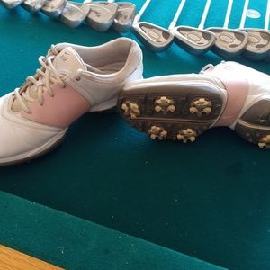 Nike womens golf shoes size 8